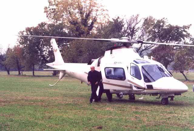 Elicottero Silvio Berlusconi : Elicottero berlusconi wildgreta politics elezioni